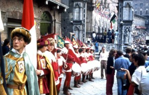 Sbandieratori in Piazza del Campo